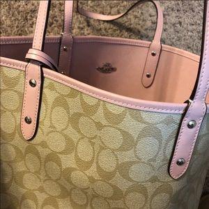 COACH Reversible TOTE w/Matching Bag